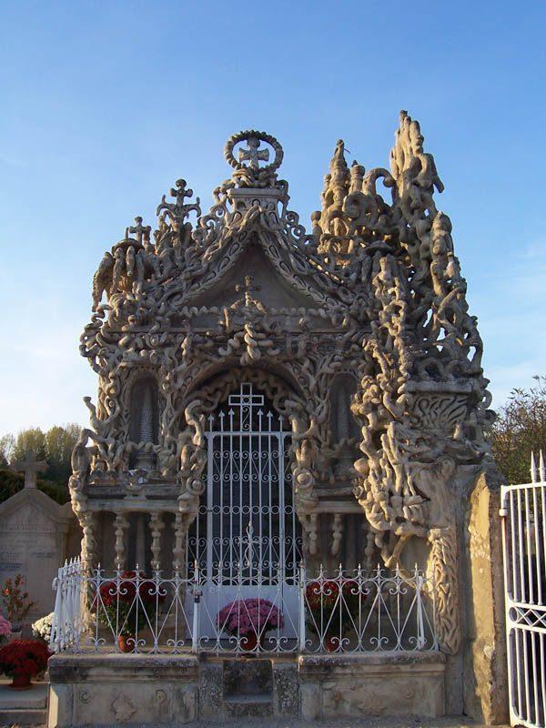 Idealny pałac wybudowany przez listonosza 20