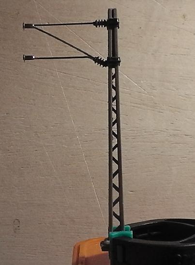 Oberleitungsmastenserienfertigungsbeginn Mast1dwkxt