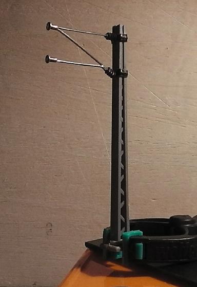 Oberleitungsmastenserienfertigungsbeginn Mast21ek1d