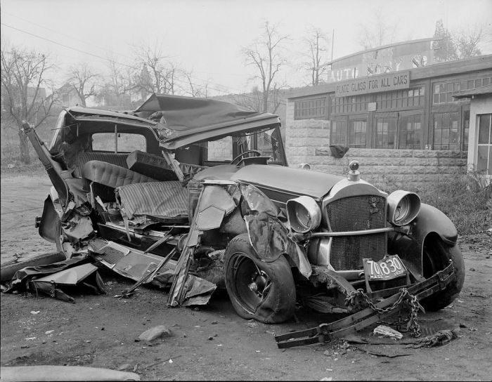 Wypadki samochodów w latach 30. 2