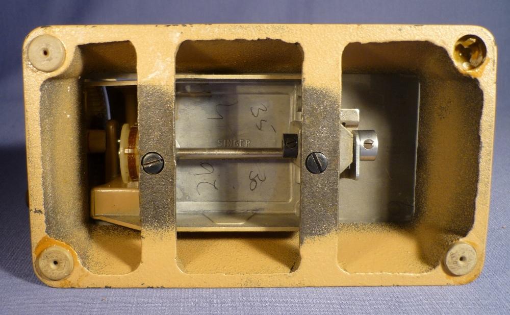 alte singer kindernähmaschine 60er jahre sewing machine  ~ Nähmaschine Hakt