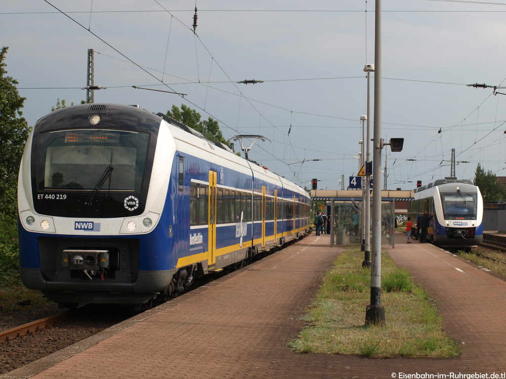 http://www.abload.de/img/nordwestbahn440219lint470q.jpg