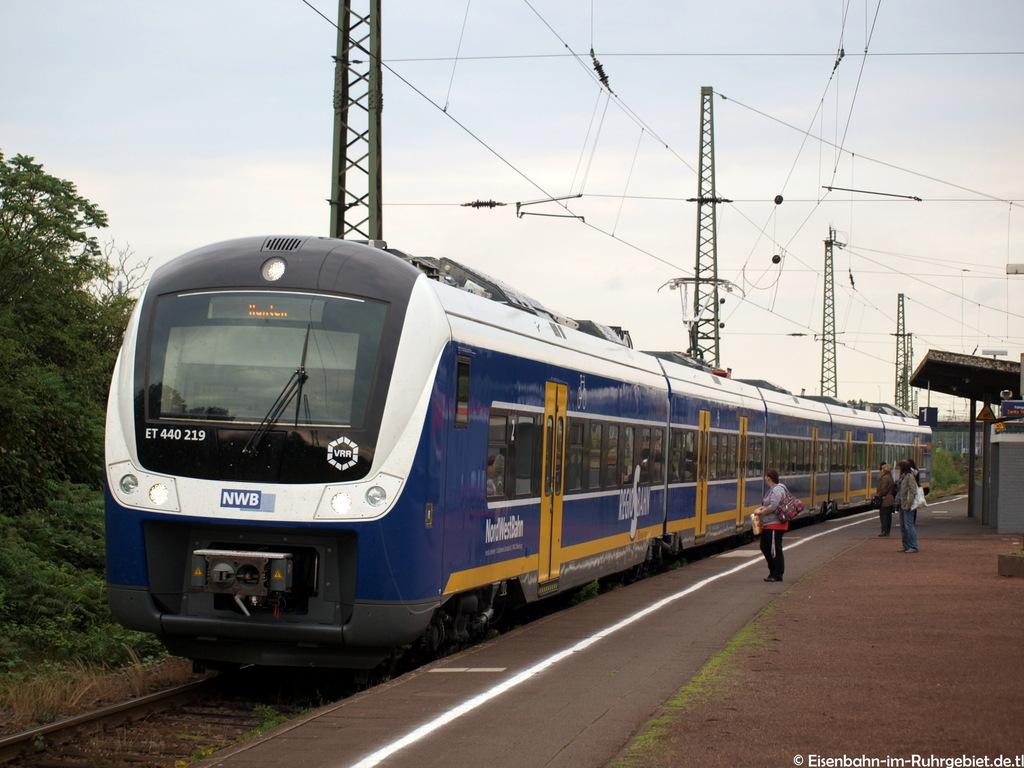 http://www.abload.de/img/nwb440219einfahrtrhein77qi.jpg