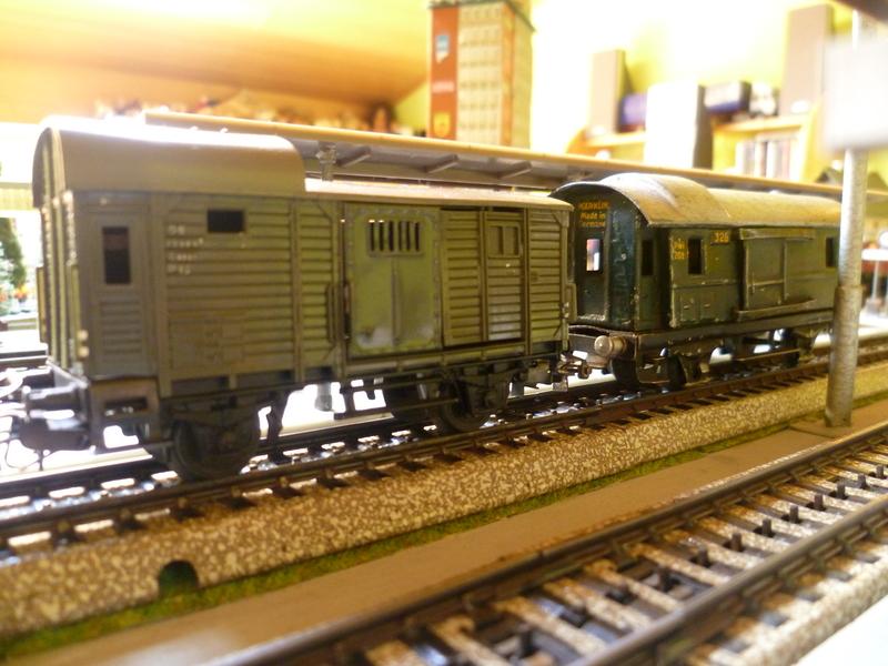 Züge die man normal aus vorbildwidrigen/Stilbruchgründen nicht fahren lässt P1010424on7l