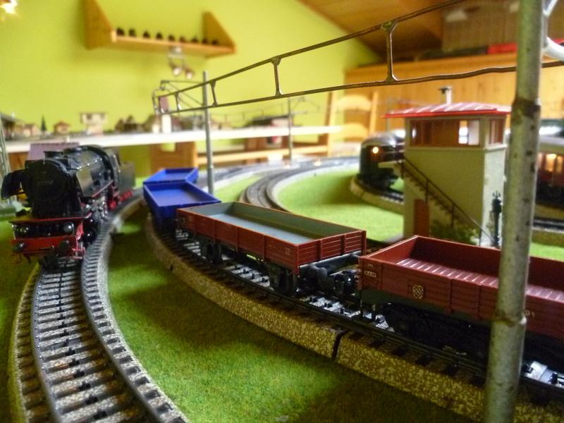 Züge die man normal aus vorbildwidrigen/Stilbruchgründen nicht fahren lässt P101043198gb