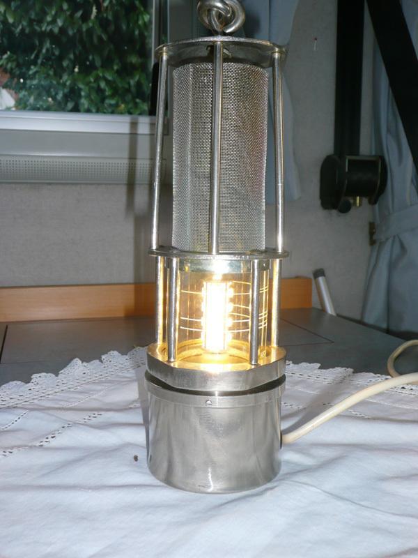 grubenlampe mit led technik mobile freiheit. Black Bedroom Furniture Sets. Home Design Ideas