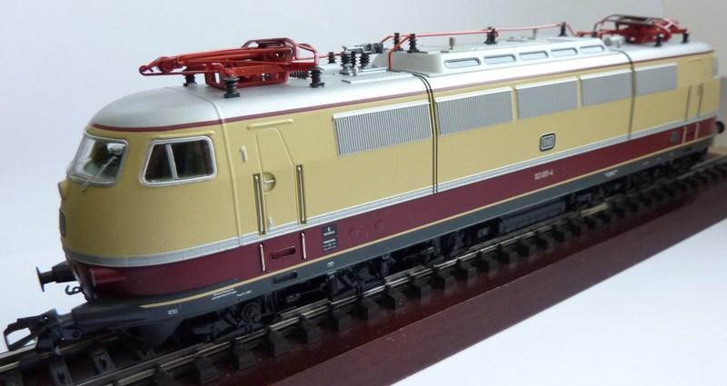 E 03 der DB (1 Lüfterreihe) P1030194gpjn