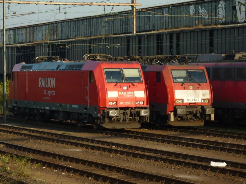 Verkehrsrote Railion Loks  P1050160rce4y