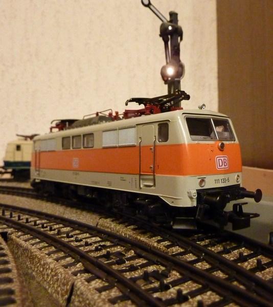 111.136: Orange-Beige P1060589wxywf