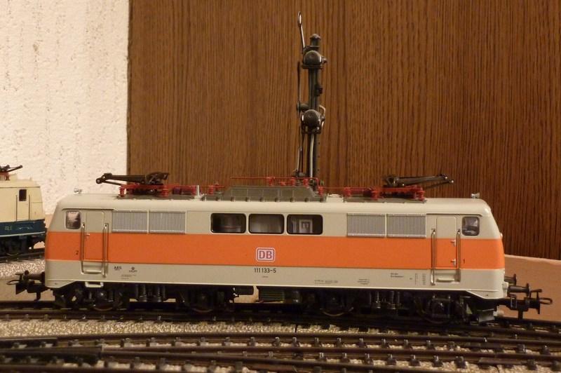 111.136: Orange-Beige P1060592o8bz6