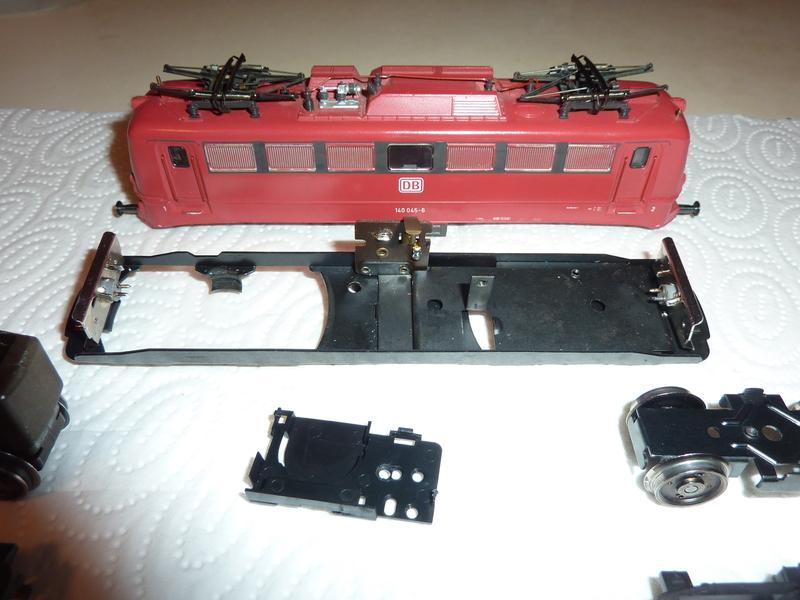 Märklin 3331 140 045-6 komplett zerlegt für HU P1070024balgi