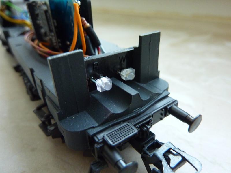 Märklin 3155 111 136-8 Umbau auf Lichtwechsel (in Vorbereitung) P1070061crycc