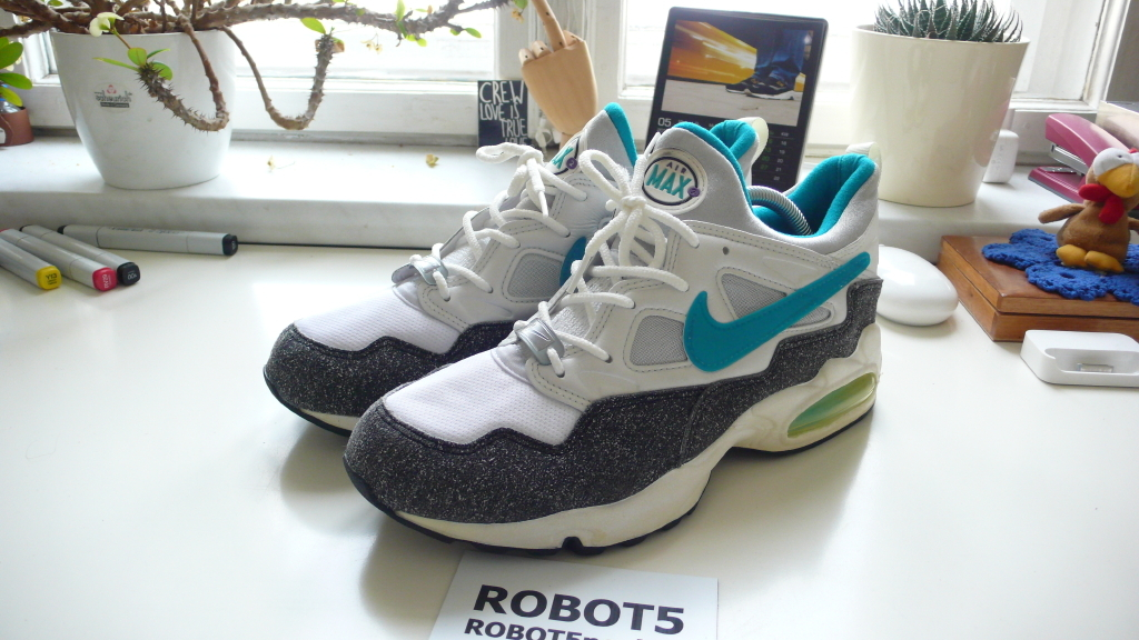 R0B0T5neaker: NIKE AIR MAX 2 from 1994