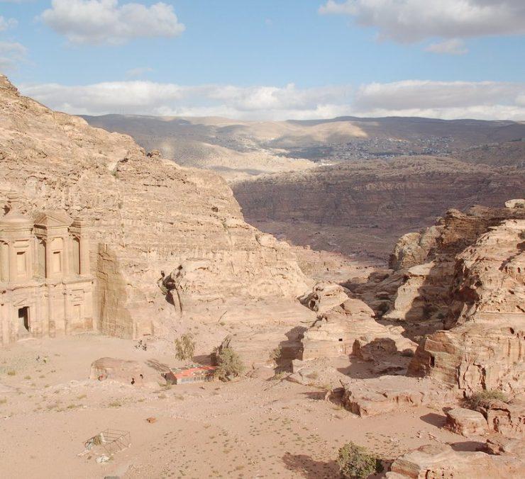 Petra - miasto wykute w skałach 10
