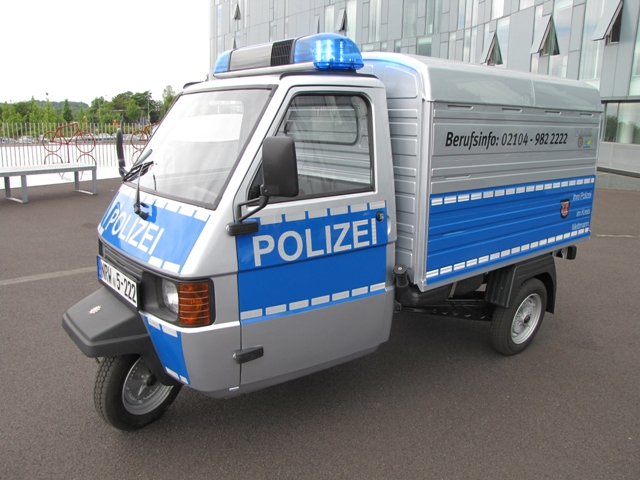 http://www.abload.de/img/polizeidreiradpmoy8.jpg