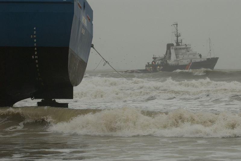 Statek na plaży 19