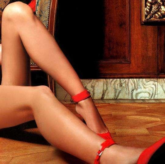 Długie, seksowne nogi 13