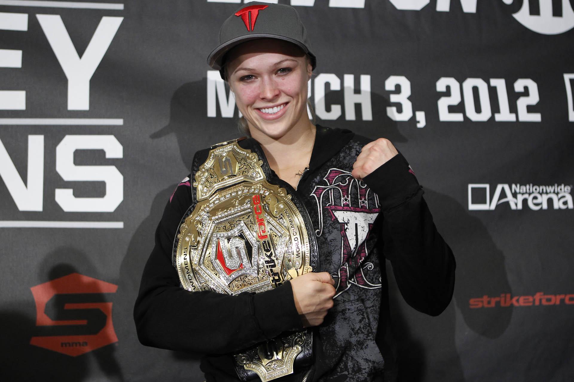 """""""Rowdy"""" Ronda Rousey nach ihrem Titelgewinn. (Foto: Strikeforce/Showtime)"""