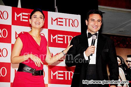 Kareena's Event * Party - صفحة 2 Saif-kareena-at-metro-3z8h