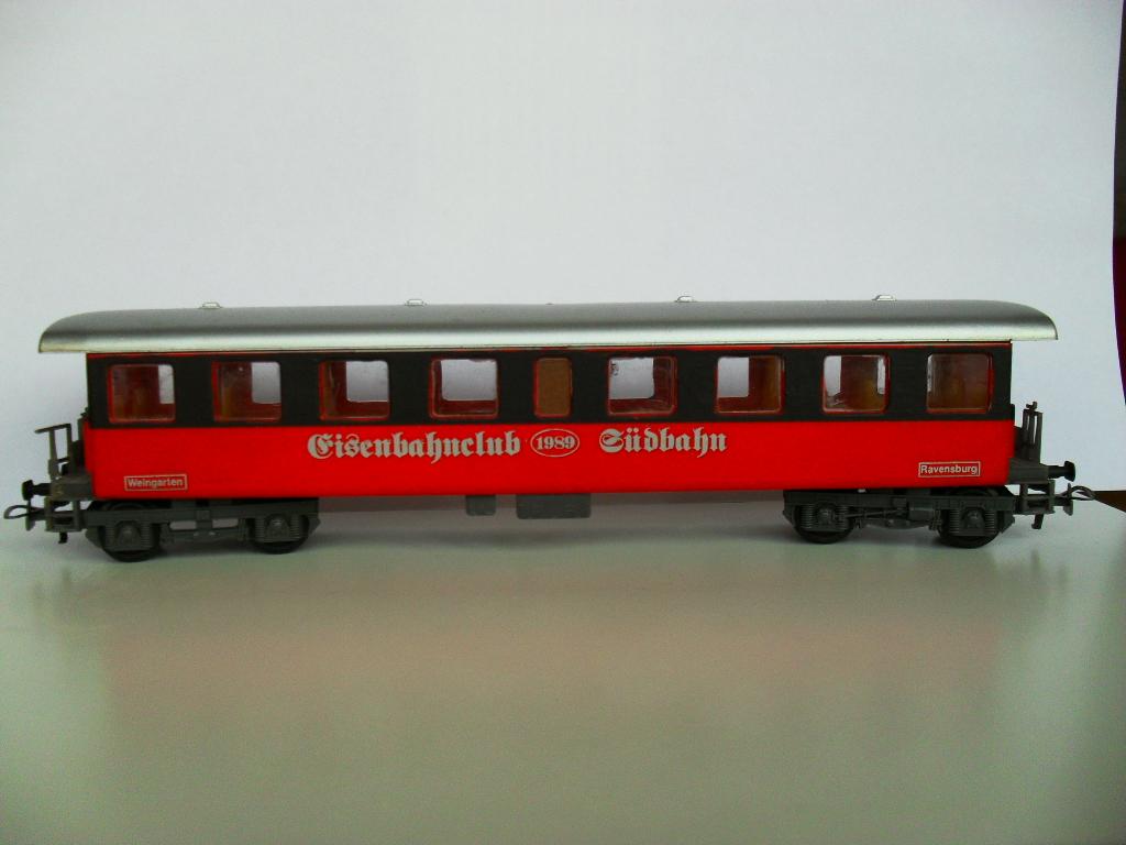 Unbekannter Personenwagen Sdc118991852b