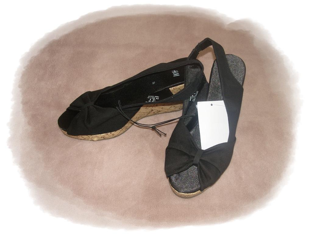 h m schuhe sandalen mit kork keilabsatz peeptoes wedges. Black Bedroom Furniture Sets. Home Design Ideas