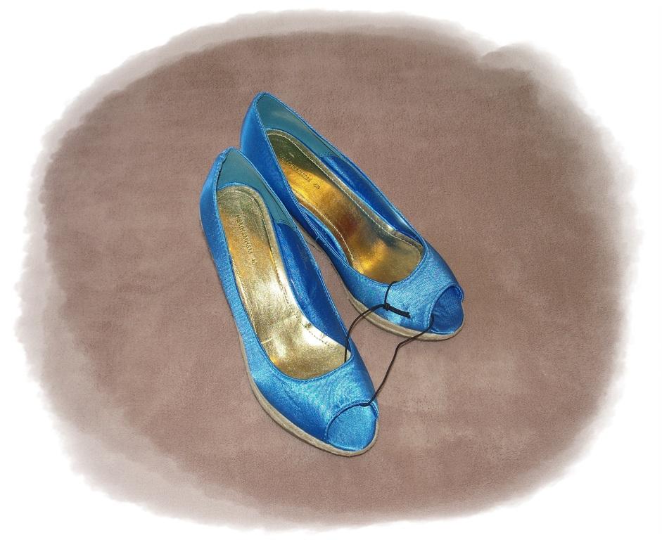 h m schuhe sandalen mit keilabsatz peeptoes wedges neu ebay. Black Bedroom Furniture Sets. Home Design Ideas