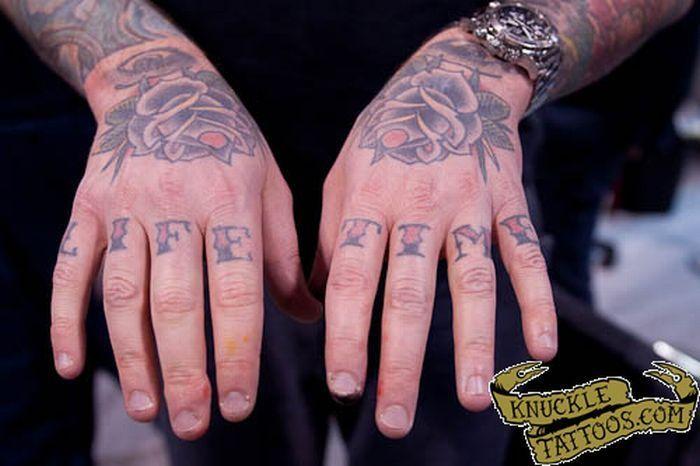 Tatuaże na kostkach 35