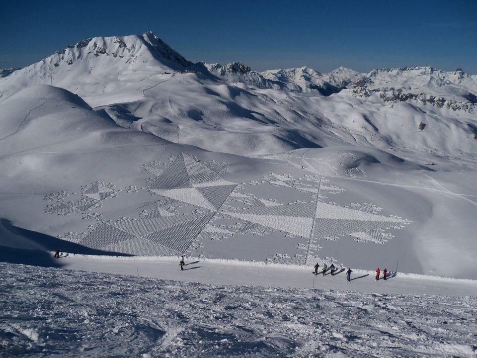 Land art na śniegu 4