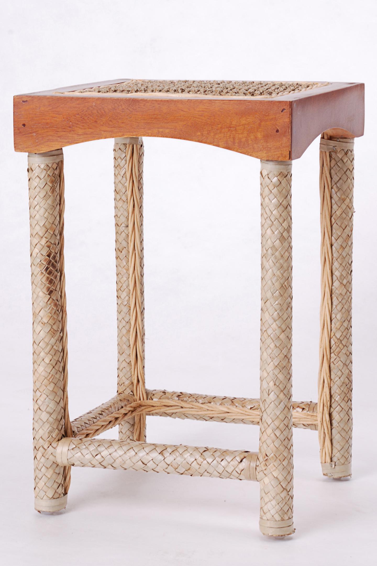 1x kleiner rattan beistelltisch tisch couchtisch. Black Bedroom Furniture Sets. Home Design Ideas