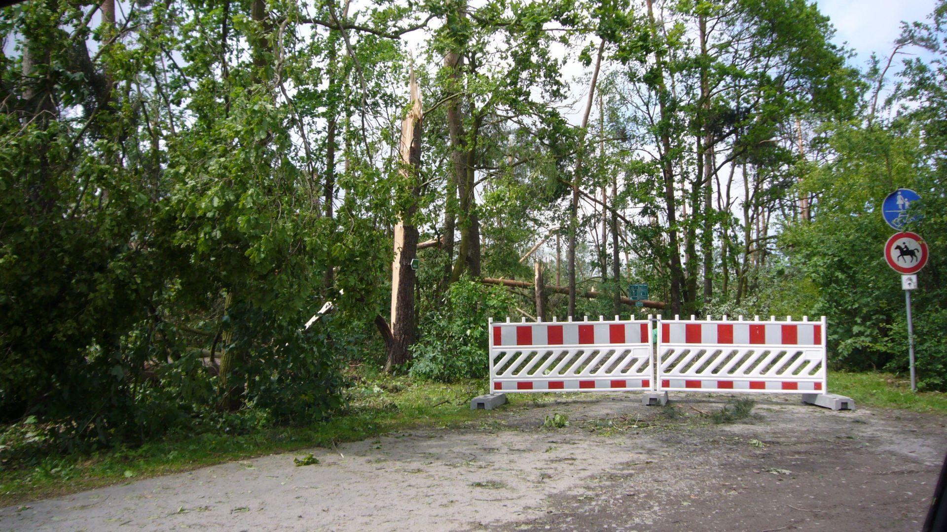 http://www.abload.de/img/tornadogrossenhain005zye5.jpg