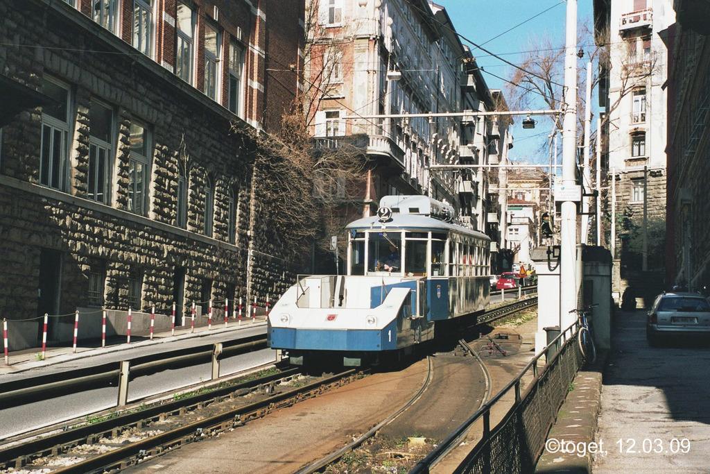 http://www.abload.de/img/tram-ts03guxn.jpg