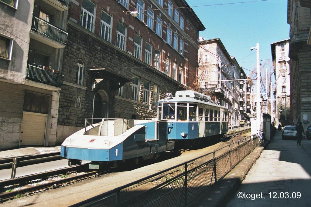 http://www.abload.de/img/tram-ts04ath6.jpg