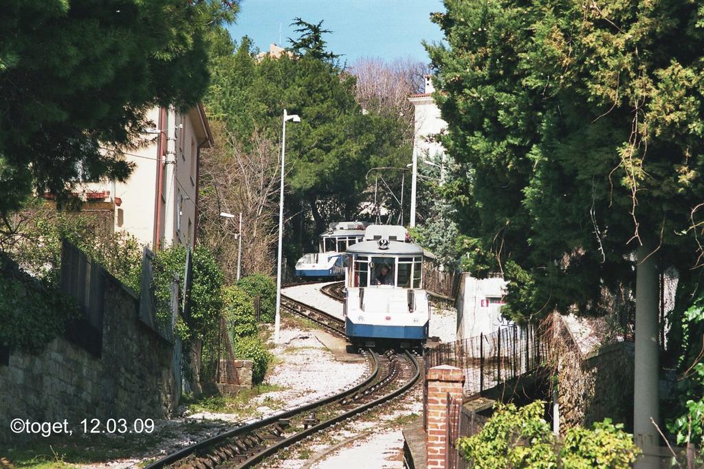 http://www.abload.de/img/tram-ts07jpzz.jpg