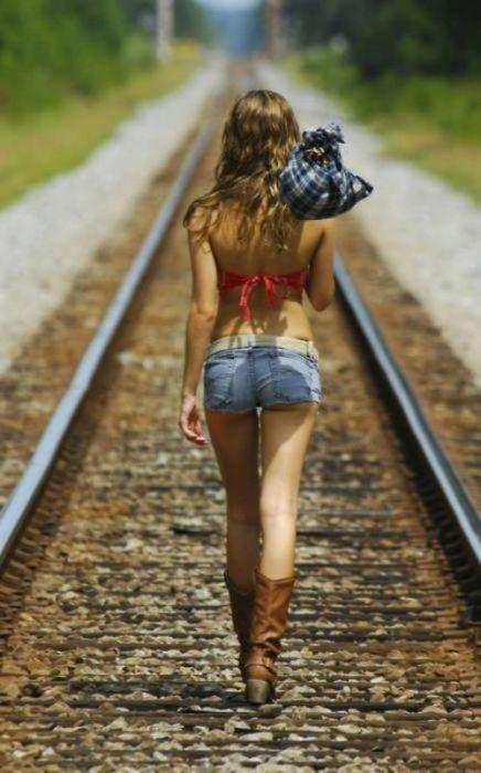 Krótkie jeansowe spodenki 23