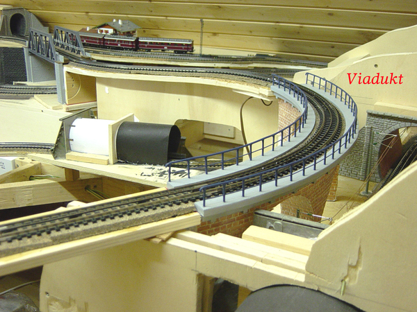 br cke im gleisbogen kurve br cke pit radius jakob railroad24. Black Bedroom Furniture Sets. Home Design Ideas