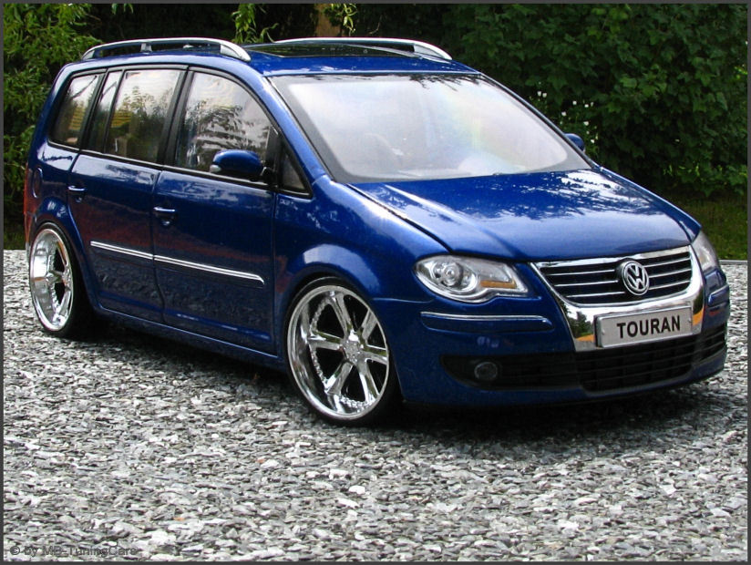 1 18 tuning vw touran 1t tdi blaumettalic mit us. Black Bedroom Furniture Sets. Home Design Ideas