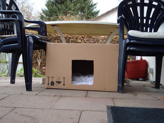 bauanleitung unterschlupf freig nger. Black Bedroom Furniture Sets. Home Design Ideas