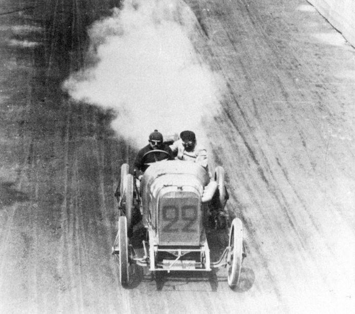 Pierwsze wyścigi samochodowe 30