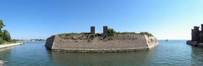 Poveglia - wyspa z mroczną przeszłością 7