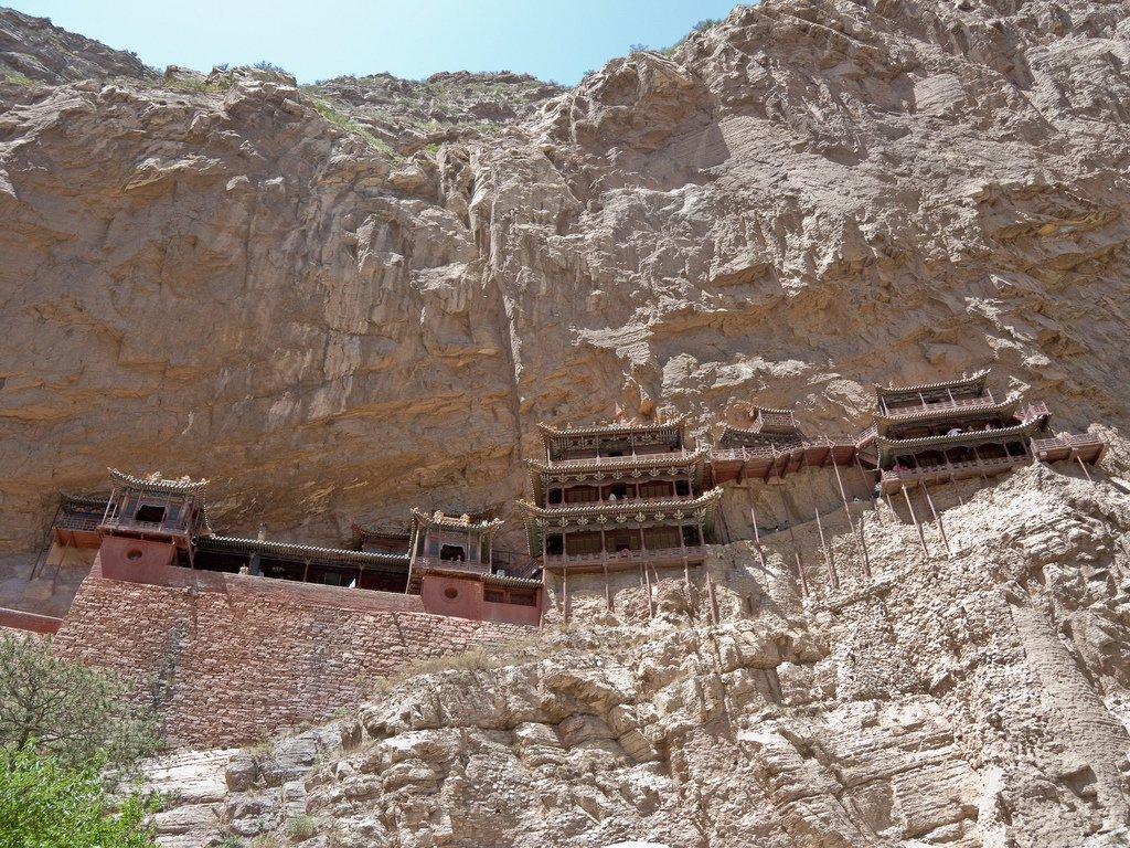 Budowle na skałach 12