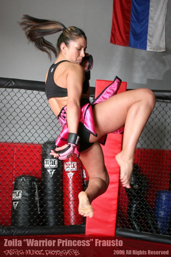 Will auch 2011 hoch hinaus: Zoila Frausto (Foto via mmafightgirls.com)