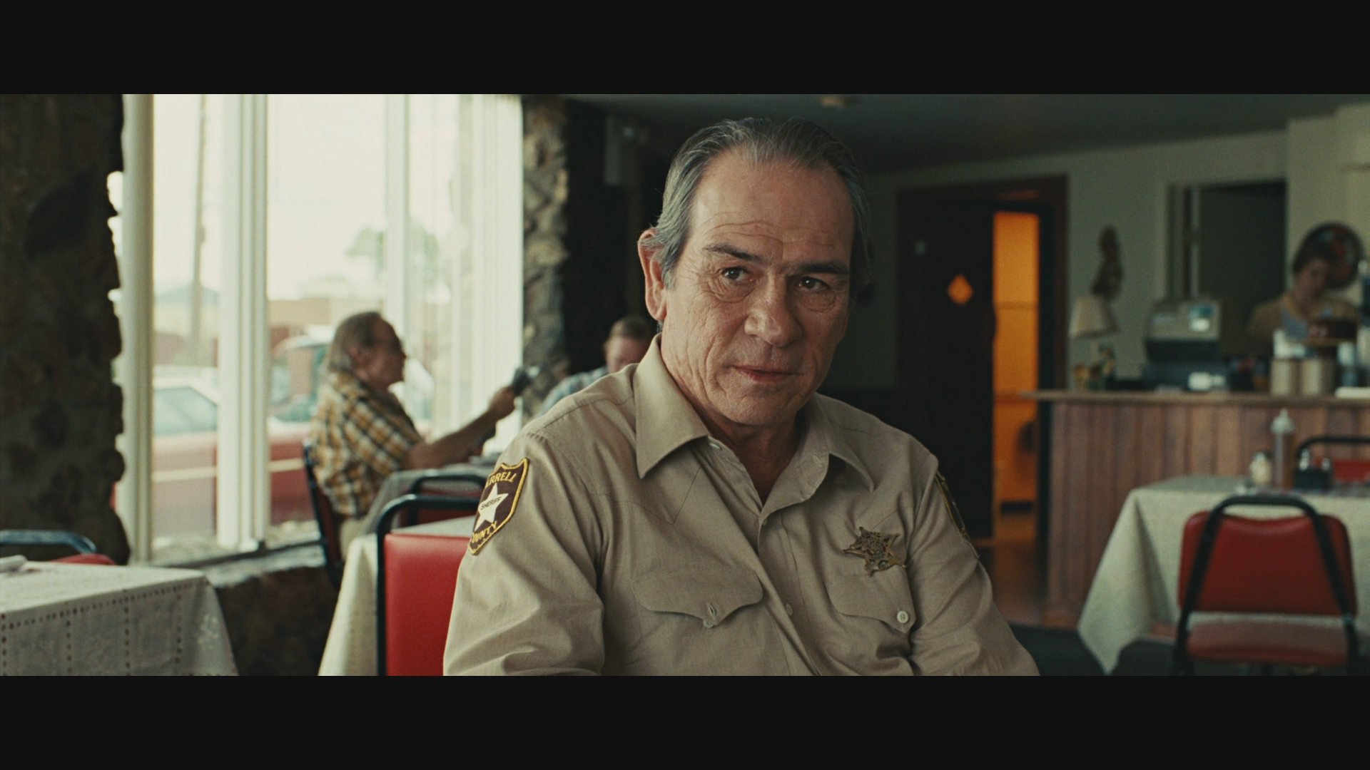 a movie analysis of no country for old men Best picture winner no country for old men is renowned for its straightforward story, eerie villain and abrupt editing one scene that best captures the essence of the movie is the ending this scene encompasses the whole movie.